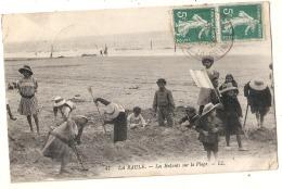 **  44  ***   LA BAULE  Enfants Sur La Plage - Gros Plan TTB - La Baule-Escoublac