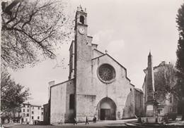 La Cathédrale De Forcalquier (04) - - Eglises Et Cathédrales