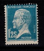 YV 180 N* Pasteur Cote 31 Euros - France