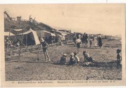*** 33  ***  MONTALIVET SUR MER Baigneurs En Promenade Sur Les Bords Des Dunes (bien Loin Du Naturisme) Peu Courante - France