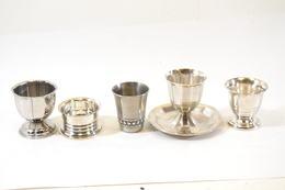 Collection De Coquetiers Divers, Metal Argenté, Cristofle Et Autre - Dishware, Glassware, & Cutlery