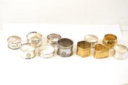 Collection De Rond De Serviette En Métal Argenté, Laiton, Métal Blanc. Art De La Table - Vaisselle, Verres & Couverts