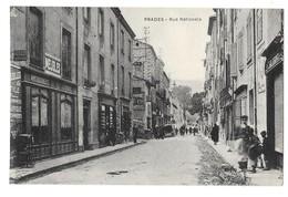 PRADES (66) Rue Nationale Commerces Animation - Prades