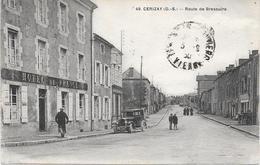 79 CERIZAY - Route De Bressuire. Hôtel De France. Automobile. Petite Animation - Cerizay