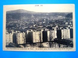 CPA  LYON-VUE D' ENSEMBLE SUR LE QUARTIER DE VAISE-LES NOUVELLE CITES LOUIS LOUCHEUR - Lyon
