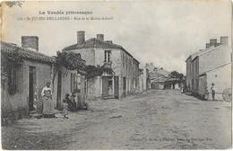 SAINT JULIEN DES LANDES (85) Rue De La Mothe Achard Animation - Autres Communes