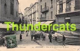 CPA  07 ANNONAY PLACE DE LA LIBERTE ET RUE DE DEUME BANQUE PRIVEE RESTAURANT CAFE DU COMMERCE ( PETIT PLI D'ANGLE ) - Annonay