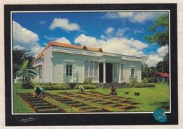 8AK1443 ILE DE LA REUNION MAISON DE LA VANILLE NOOR AKHOUN 2 SCANS - La Réunion