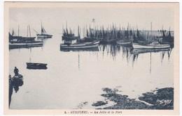 29 GUILVINEC - La Jetée Et Le Port - Guilvinec