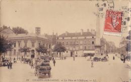 Chalon Sur Saône - La Place De L'Obélisque (animation, Marchand De Glace, Char Chargé De Bonbonnes) Circ 1908 - Chalon Sur Saone