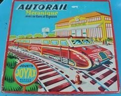 Très Rare Magnifique Train à Mécanisme Clé Avec Sa Gare , Tunnel Et Rails Dans Sa Boite D'origine Marque JOYAX - Model Railways