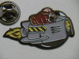 Pin's - Jeux SEGA SONIC Personnage ROBOTNIK Docteur EGGMAN - Games