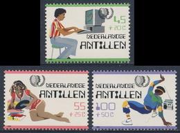 Nederlandse Antillen 1985 Mi 557 ** Boy Using Computer / Computerspielen / Computerspelletjes - Int. Jahr Der Jugend - Computers