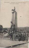 CPA 55 BAR LE DUC  Monument Des Enfants De La Meuse Morts Pour La Patrie (avec Soldats Au Pied Du Monument) - Monuments Aux Morts