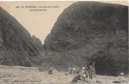 CPA 22 LA COTENTIN L'Arrivée Sur La Grève - La Grotte Des Fées (animé) - Pléneuf-Val-André