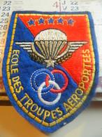 INSIGNE PATCH TISSU E T A P . ECOLE DEXS TROUPES AEROPORTEES - Airforce