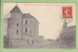 ROYBON : Place De La Gendarmerie Et Ancien Château Des Comtes De Beaumont. 2 Scans. Edition Charvat - Roybon