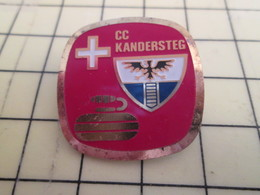 Pas Pin's Mais BROCHE / THEME SPORTS : SPORTS D'HIVER CURLING CLUB KANDERSTEG SUISSE - Winter Sports