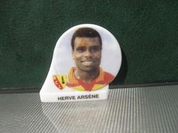 Fève Footballeur Herve Arsène Série Foot équipe De Lens Année 98 - Fèves - Rare T Sport - Sports