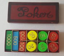 Ancienne Boite De 97 Jetons De Poker Des Magasins Réunis - Valeurs De 10 à 1000 - Autres Collections