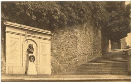 Lobbes - Le Monument Aux Héros De La Guerre Et Les Escaliers De L' Eglise - Autres