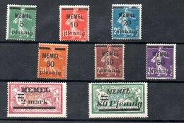 Memel /  Lot De Timbres / NEUFS Avec Trace De  Charnière - Memel (1920-1924)