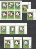 J898 SIERRA LEONE DISNEY MICKEY MOUSE & FRIENDS CHRISTMAS HAPPY NEW YEAR 1KB+1SET MNH - Disney