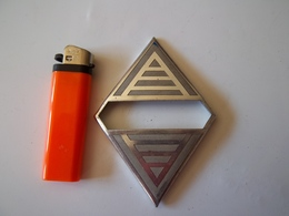 Sigle Embleme  Logo Losange De Calandre Renault . - Voitures