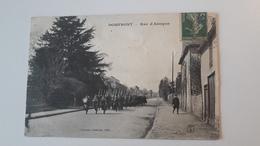 DOMFRONT  (61)  Défilé Militaire Rue D'Alençon - Domfront
