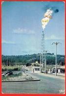 Pau - Lacq - Mine - Petroleum Natural Gas Sulfur - Timbre 1967 ( 2 Scans ) France - Lacq