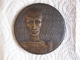 Médaille Aux Héros Et Martyrs De La Déportation Par J H Coëffin - France