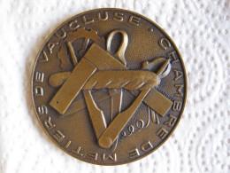 Médaille Chambre Des Métiers De Vaucluse , 30e Anniversaire 1937 1967 - France
