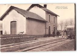 CPA 86 Ouzilly La Gare Et L'automotrice - France