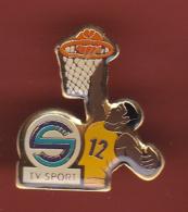 53120-Pin's TV Sports.télé.medias.basketball..... - Basketball
