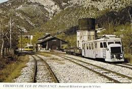 TRAINS ( CHEMINS DE FER DE PROVENCE ) Autorail BILLARD En Gare De VILLARS - CPSM GF - Zug Trenes Trein Treni Trenes - Trains