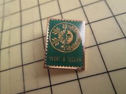 313g Pin's Pins / Beau Et Rare : Thème POSTES / CATALOGUE YVERT & TELLIER EN FORME DE TIMBRE POSTE - Poste