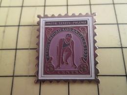 313g Pin's Pins / Beau Et Rare : Thème POSTES /  TIMBRE POSTE USA 3 CENTS JEUX OLYMPIQUES 1932 LOS ANGELES - Mail Services