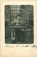 Cpa Carte Photo - Femme Et Machine à Coudre - Women