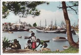 CPSM 33 LE VERDON Pointe De Grave Le Port Bloc Et Le Bac De Royan - France