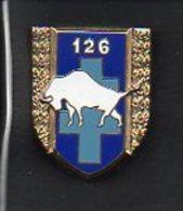 Militaria /  Insigne ( Pucelle) 126éme Régiment D'Infanterie / Email Bison Blanc / Verso : J.Y.Segalen 1990 N° 2766 - Heer