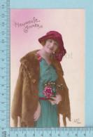 Heureuse Année - Femme D'époque Manteau De Fourrure Avec Tete De Vison - Postcard, Post Card, Carte Postale - Femmes