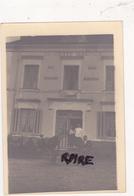 PHOTO ANCIENNE,44,LOIRE ATLANTIQUE,CARQUEFOU,AUBERGE,HOTEL,RESTAURANT,FRITURE,BEURRE BLANC,PROPRIETAIRE - Lieux