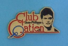 1 PIN'S  //  ** TENNIS DE TABLE / PING PONG / CLUB  JEAN-PHILIPPE GATIEN ** - Table Tennis