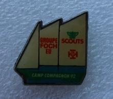 Pin's Bateau Groupe Foch . SCOUTS . Scoutisme - Boats