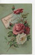 CPA.Fantaisie.Gaufrée.Souvenir D'amitié.roses Rose Et Une Blanche. - Fantaisies