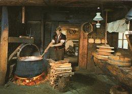 (70) CPSM  Fabrication Du Fromage  (Bon Etat) - Artisanat