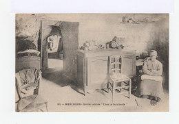 Deux Cartes Postales. Meschers. Grotte Habitée Chez La Guicharde. (3021) - Meschers