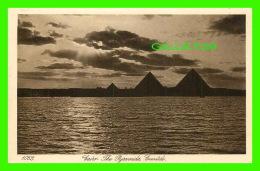 LE CAIRE, EGYPT -  CAIRO, THE PYRAMIDS, EVENTIDE - LEHNERT & LANDROCK SUCC - - Le Caire