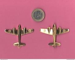 Aereo Caproni 313 Lamierino Portachiavi Con Fasci Sulle Ali Planes Flugzug Avion Airline Aviazione Aeronautica - Aviation