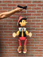 Pinocchio Marionnette En Bois Articulée De 90cm De Haut En état Parfait - Puppets